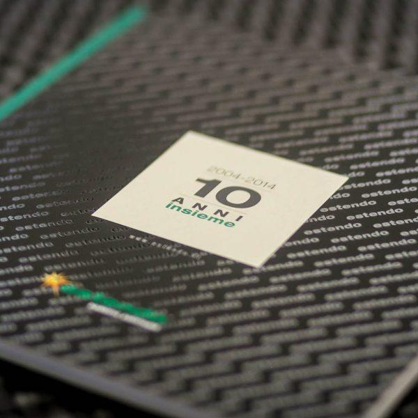 Confezione Bodoniana e copertina con plastica UV, edizione limitata e numerata, 500 pcs